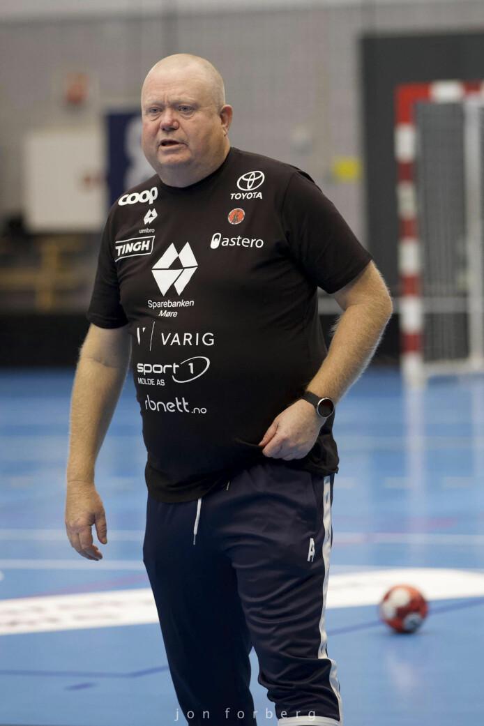 Tor Odvar Moen er hovedtrener for Molde HK Elite