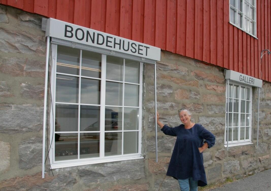 Brit Dyrnes er glad for å få til ei utstilling med stangvikmålarane Berit Anne Botten Røkkum, Rannveig Brøske og Anne Grete Kvendset.