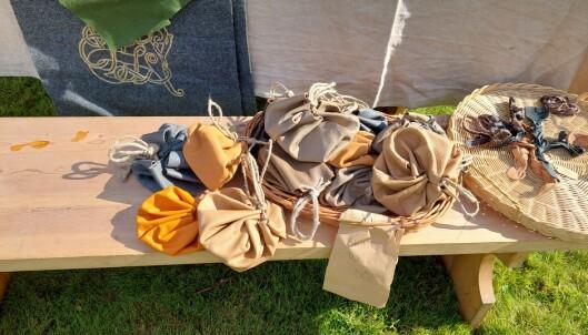 Vikingene har med seg tradisjonelt håndverk.