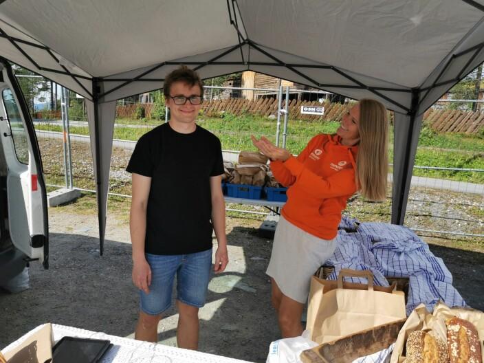 -Jeg er så stolt av produsentene, sier Brit Melting i Trøndersk Matfestival, her med Martin Trønsdal frå Hæmstelt