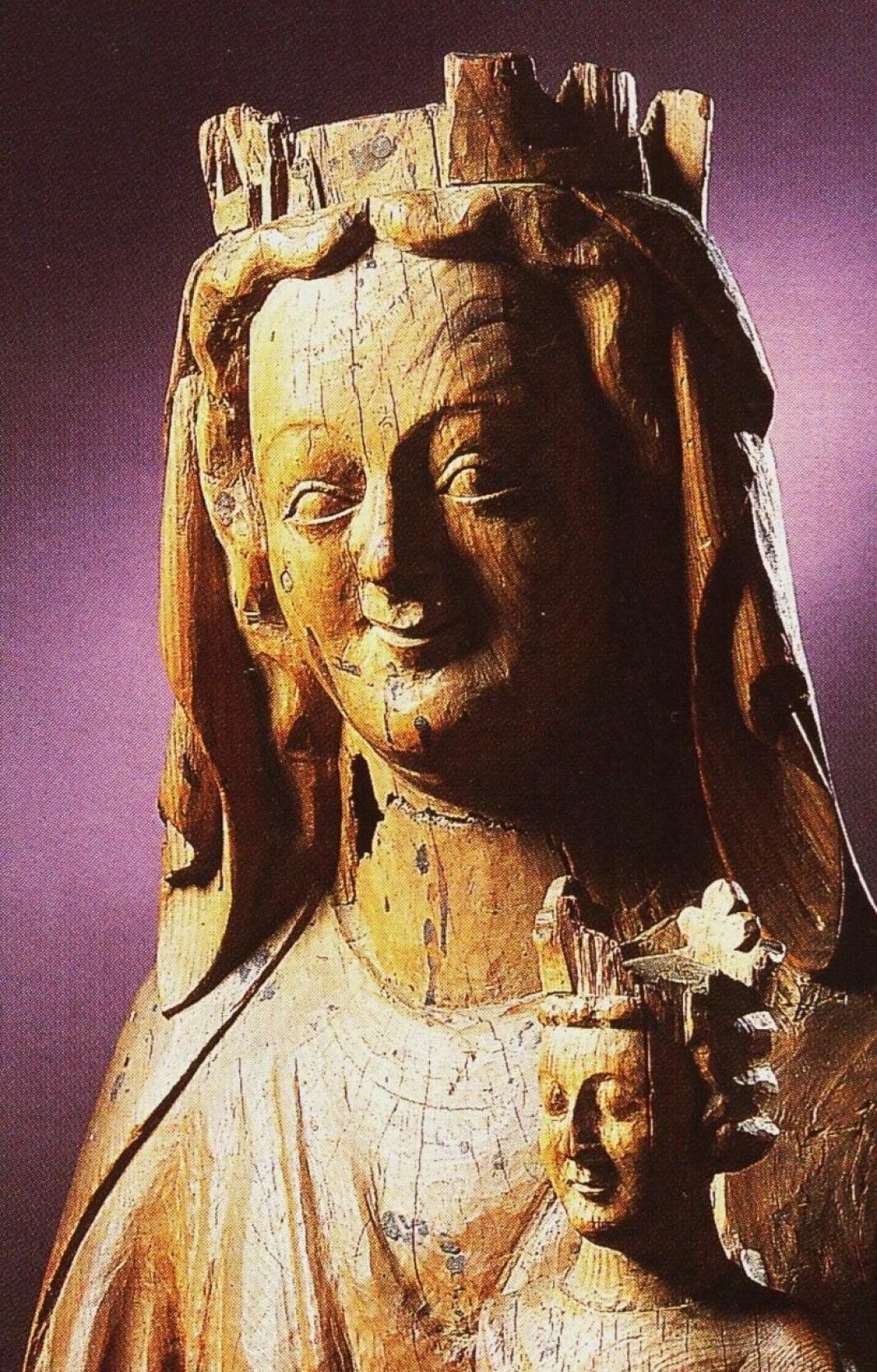Madonnafigur frå kyrkja på Skei rundt 1250.