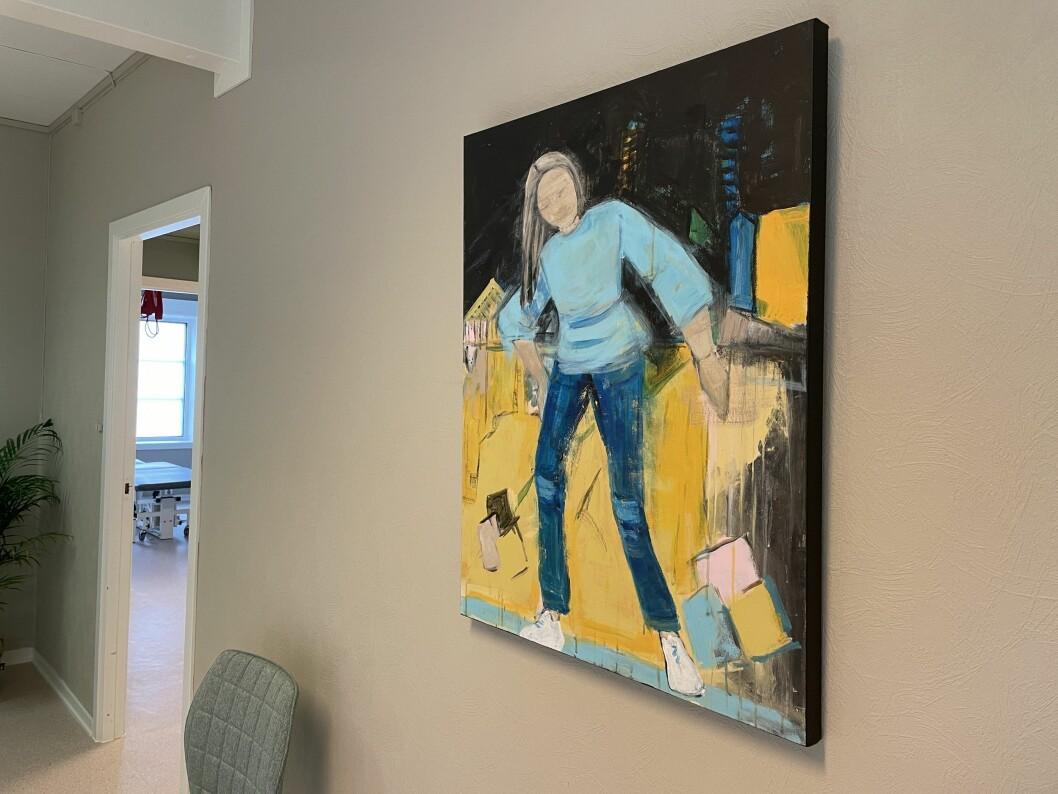 Dette måleriet, måla av Ingrid si mormor, Anne Grete Kvendset, prydar no ein av veggane hos Elvebakken Fysioterapi.