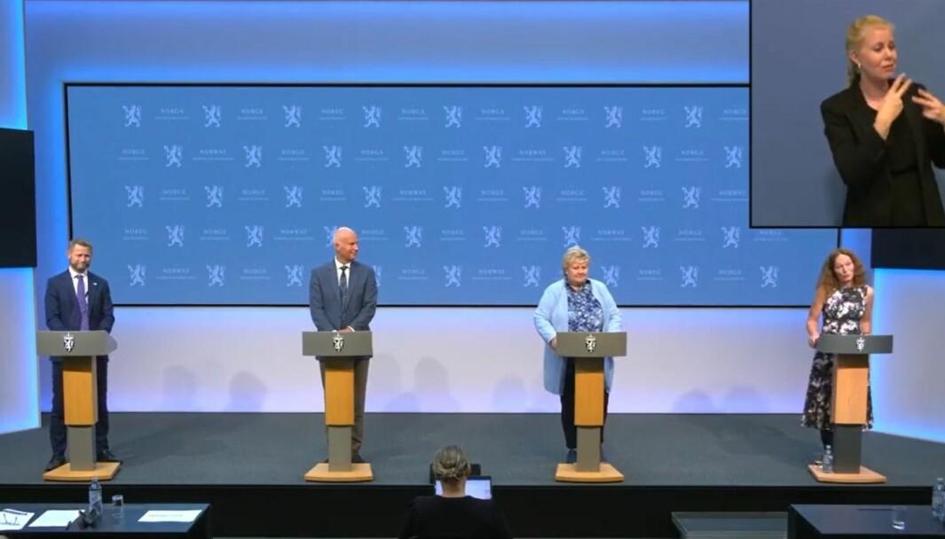 F.v. Bent Høie, Bjørn Guldvog, Erna Solberg og Camilla Stoltenberg.
