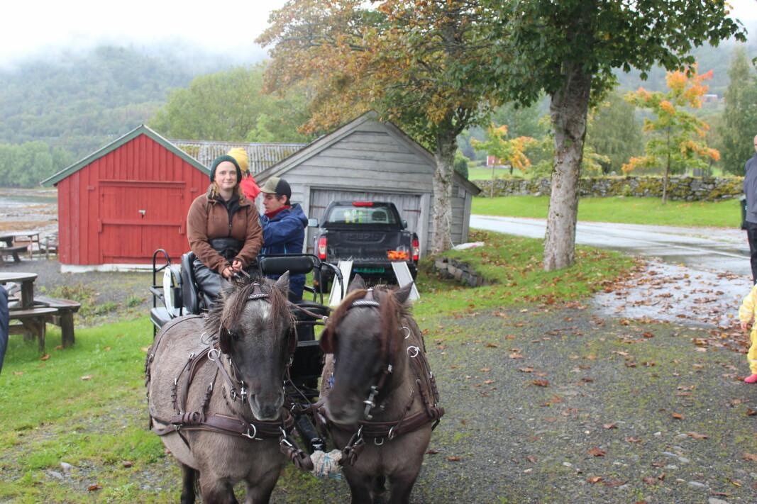 Silje Mari Otterlei Husby kunne friste med vognturer sammen med Alvin og Baron