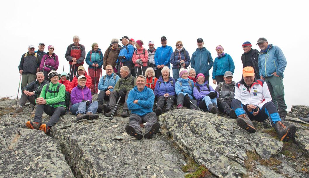 Oppe på Brattskarven, 1196 moh. Kom litt skodde da vi var på toppen. Droppet derfor avstandsbilder.