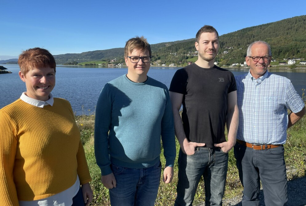 Iren Sæterbø (f.v.), Håkon Fredriksen, Ole Kristian Simensen og Magne Løfaldli hos Innveno.