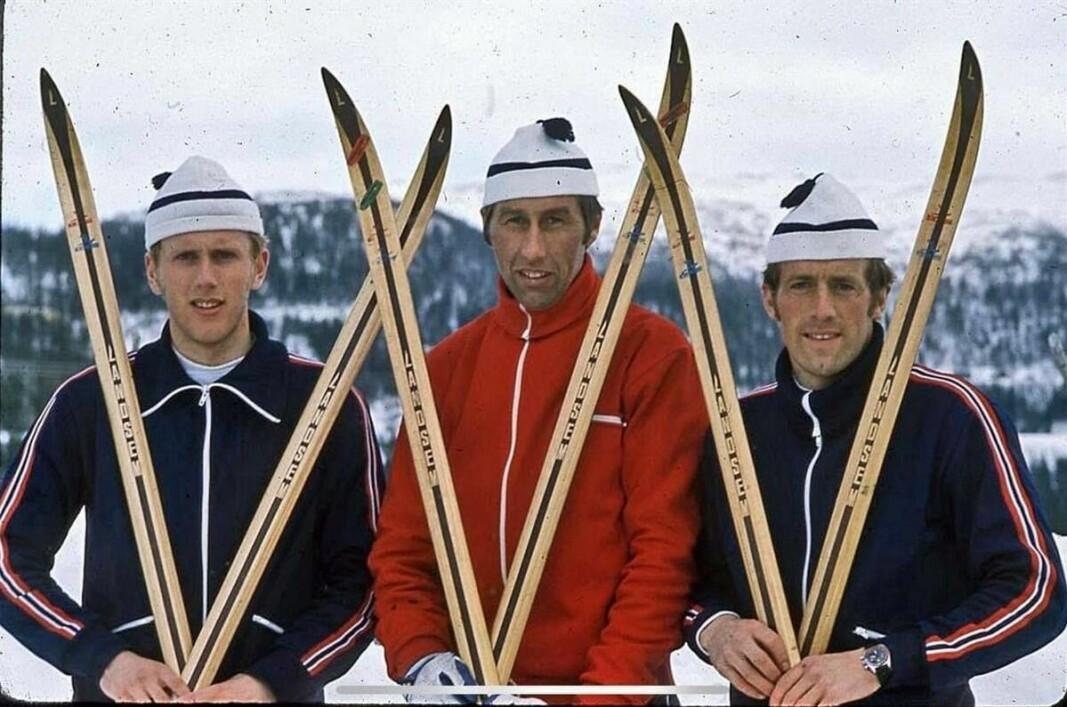 Fra bokomslaget: Oddvar Brå, Harald Grønningen og Magne Myrmo med Landsem-ski.