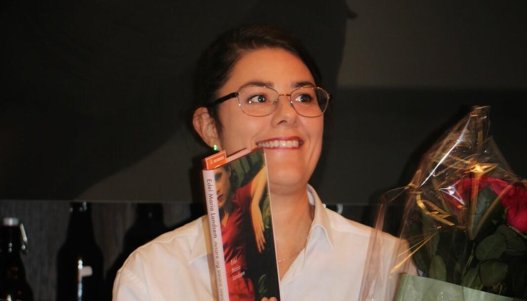 """Bokdebutant Edel Maria Landsem med novellesamlingen <span class="""" italic"""" data-lab-italic_desktop=""""italic"""">Andre og bedre historier</span>."""