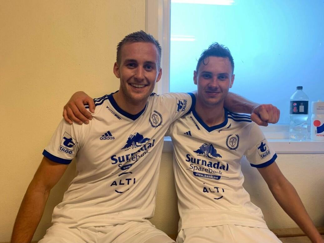 Andreas Dalsegg Sæter (t.v.) og Sander Smevoll (to mål) scoret for Surnadal borte mot Åndalsnes.