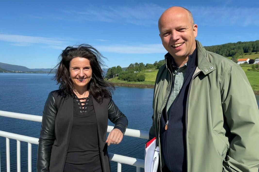 Jenny Klinge og Trygve Slagsvold Vedum på ferga Kvanne -Røkkum