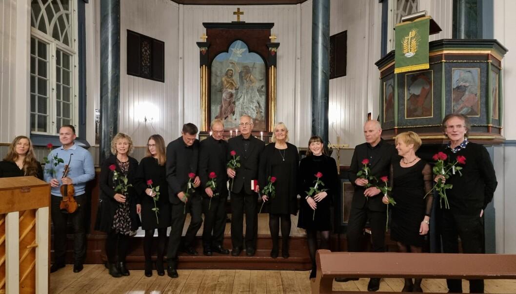 Fra venstre: Hedda Hansen Berg, Anders Larsen, Anne Kleivset, Lone Eines, koret Wok og Henning Sommerro